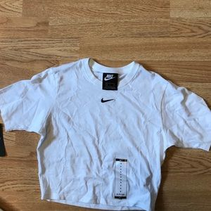 Nike Tight Fit Crop Top